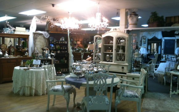 Antique Vintage Collectible And New Mall By Kt Antiques In Katy