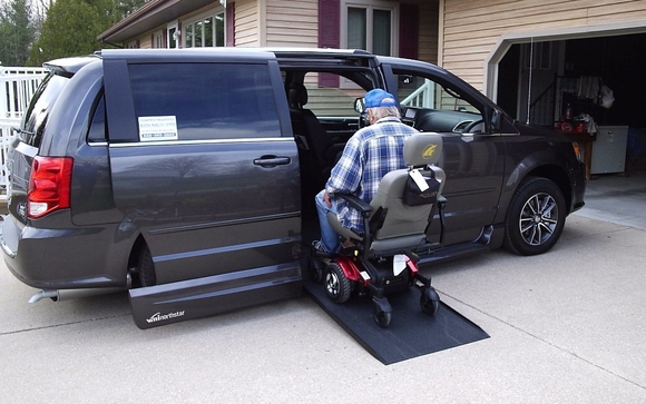 Wheelchair Accessible Vans >> Wheelchair Accessible Vans By Access Mobility Center In Midland Mi