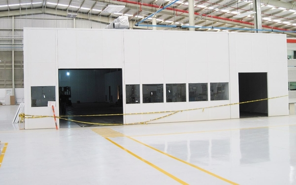 Modular Cleanrooms, Vertical material lifts, Free standing
